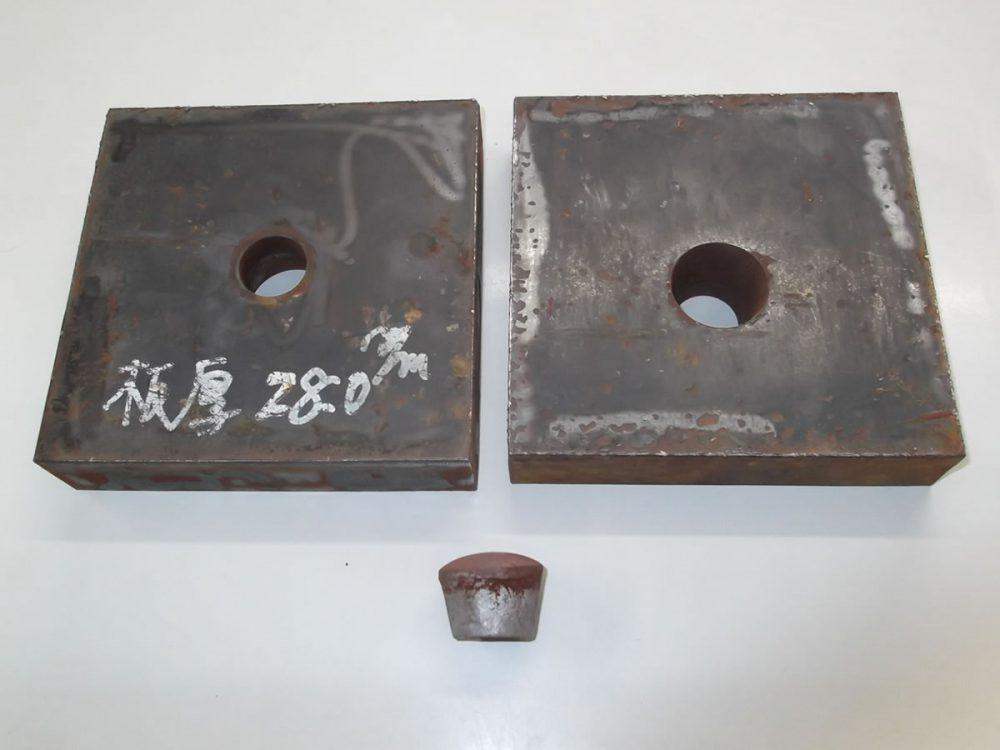 厚板穴抜き(ピアス加工)1